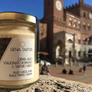 Crema allo stagionato romano e tartufo nero | Siena Tartufi Toscana