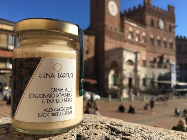 Cream with pecorino cheese and black truffle | Siena Tartufi