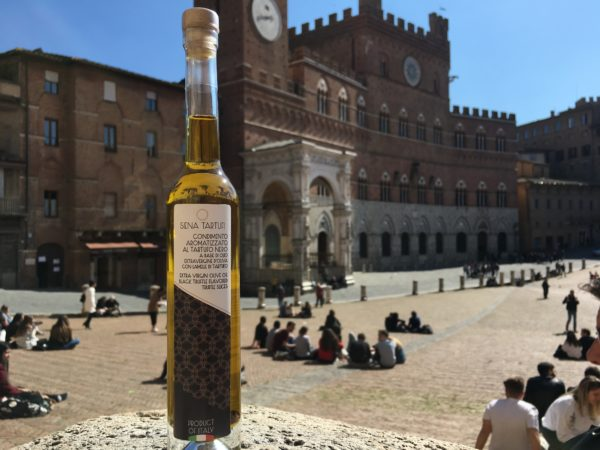 Olio extra vergine di oliva al tartufo nero   Siena Tartufi
